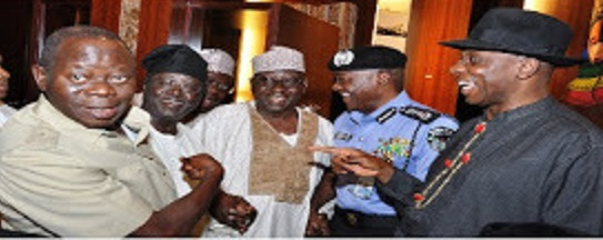 OSHIOMOLE INTRODUCES JANG TO PRESS AS FAKE  NGF CHAIRMAN!...THE PREZ MAY,HOWEVER, NOT FIND THESE PHOTOS FUNNY.
