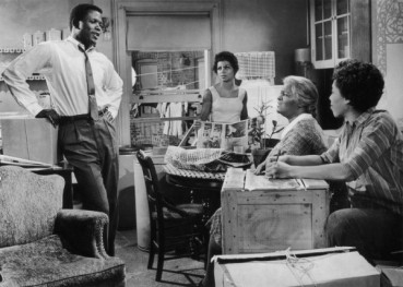 """INTRODUCTION TO """"A RAISIN IN THE SUN"""" BY LORRAINE HANSBERRY...KEY FACTS/DID YOU KNOW?/TRIVIA (1)"""
